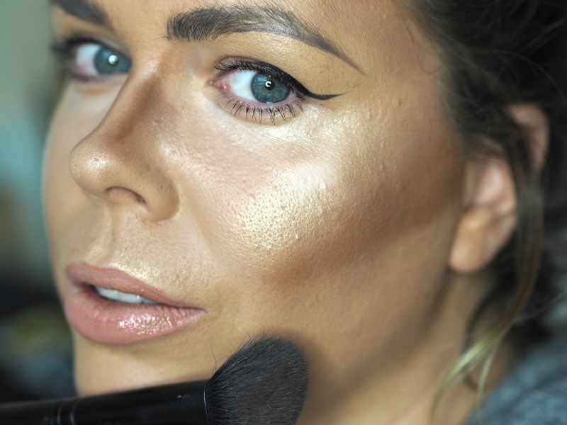 bad makeup trends : highlight and contour mistakes : bad contouring