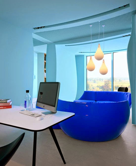 Space Saving Ways To Furnish A Small Office Space