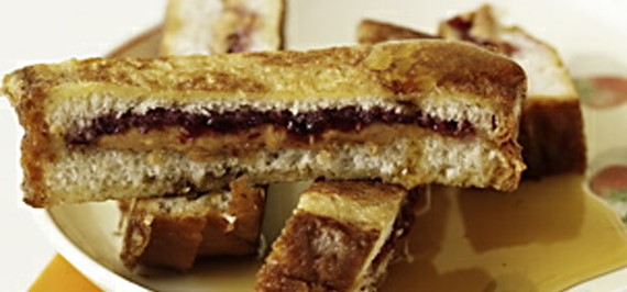 Skinny PB & J French Toast Sticks