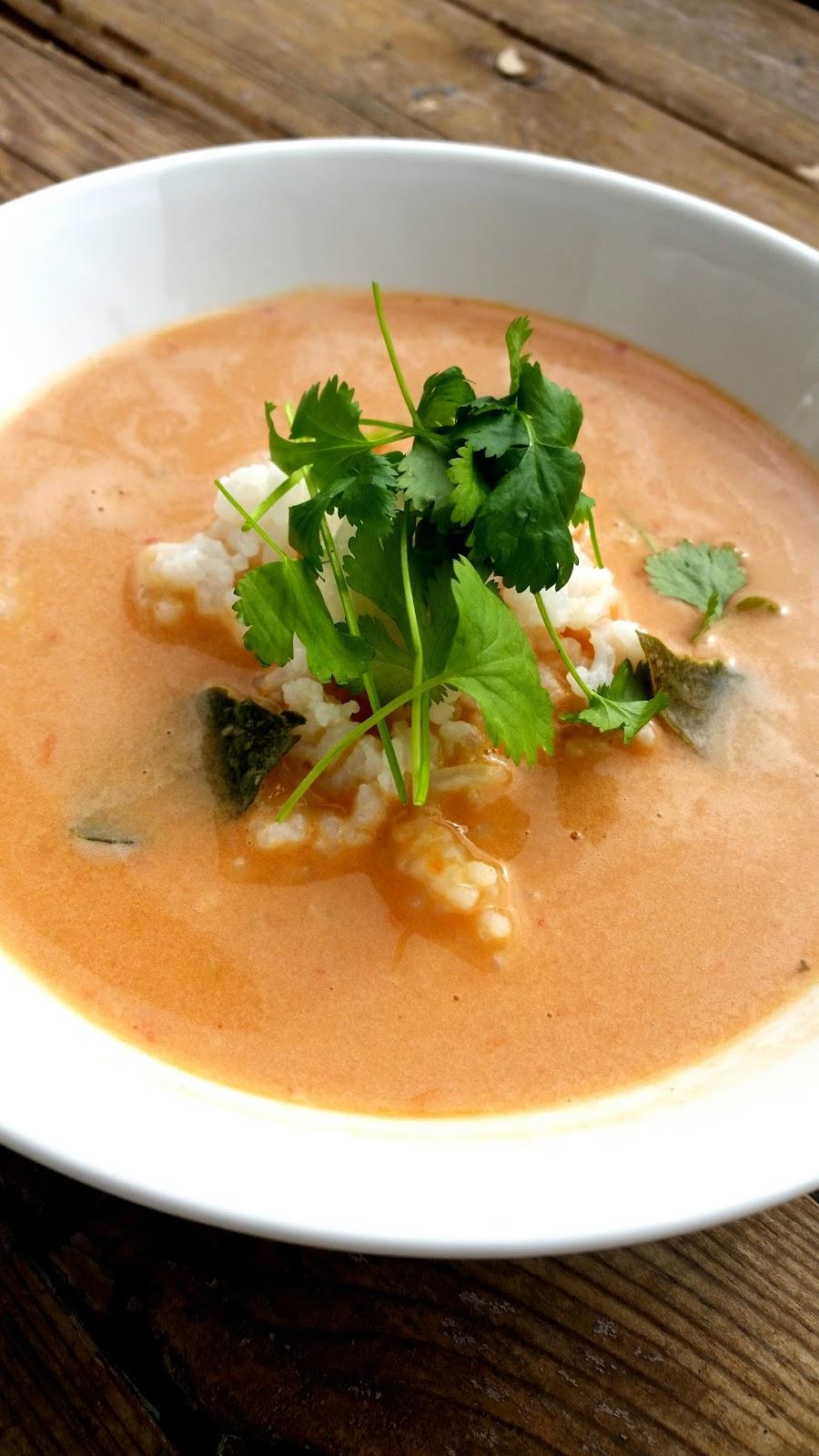 Alicja W Krainie Garow Zupa Pomidorowa Z Mlekiem Kokosowym I
