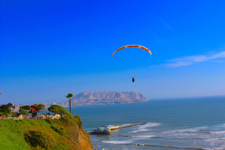 paragliding over miraflores