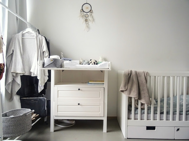 Ainu, Ainu neuvoja, vauvanhoito, Ikea, Sundvik, hoitopöytä,