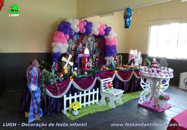 Decoração Monster High Tradicional Super Luxo - mesa infantil forrada de toalhas de tecido (pano)