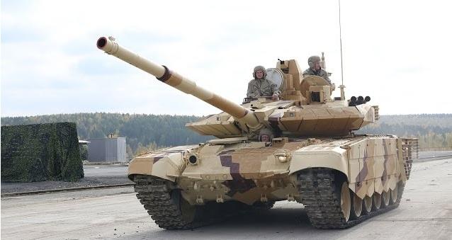Ρωσία: Έχουμε ετοιμοπόλεμα 25.000 άρματα! (VID)