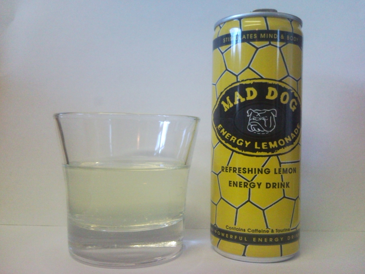 Dhl/mein Kundenservice Energy Produkte Tester Mad Dog Energy Lemonade