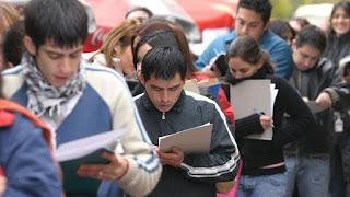El pasado martes el INDEC dio a conocer los números de la desocupación en el país y San Juan se encuentra por debajo de la media nacional con un 7,8 por ciento. Sin embargo este número es alarmante, ya que según arrojaron los datos brindados por el organismo nacional significa unas 5 mil nuevas personas sin trabajo, siendo el sector joven el más perjudicado a la hora de hallar un empleo.