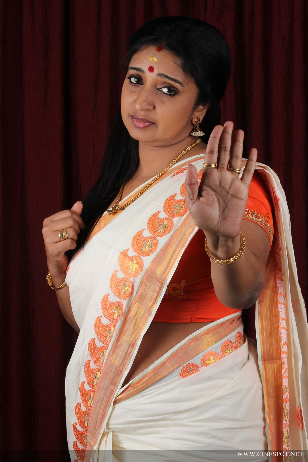 Kavitha Nair Stills, Mudhal Idam Actress Kavitha Nair