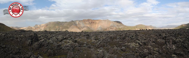 Laugahraun con las montañas Suðurnámur al fondo