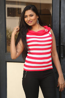 Actress Shilpa  Pictures at Yuva Tejam Movie Teaser Launch  0024