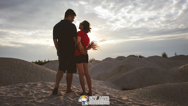 A very casual couple photoshoot at this exotic location in Malaysia - Padang Pasir Klebang