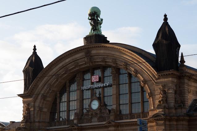 Hauptbanhof-Stazione centrale-Francoforte