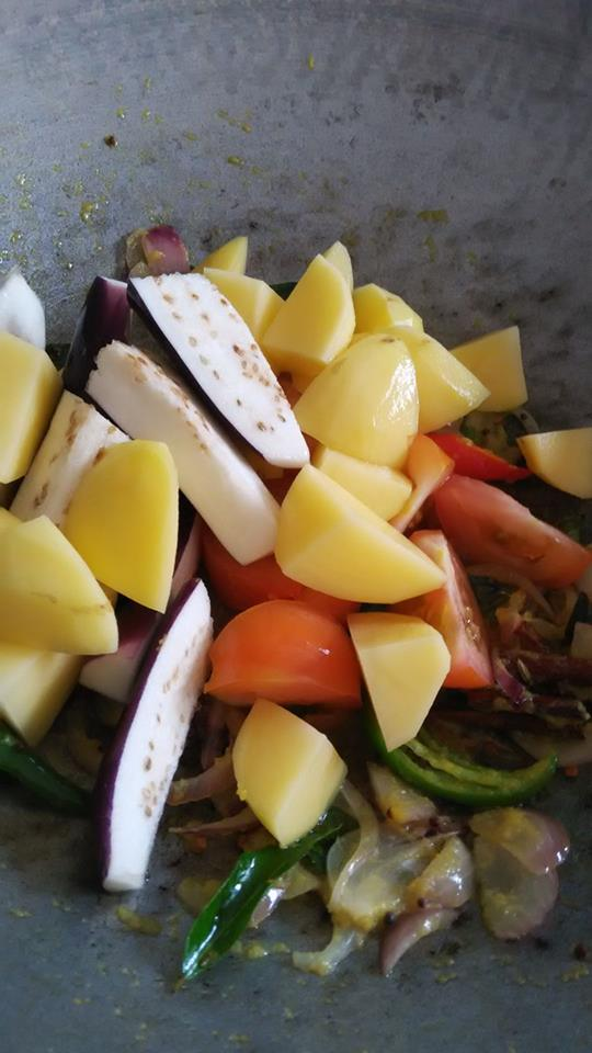 resepi maggi kari goreng telur maggi kari goreng sedap fried instant noodles youtube Resepi Mee Udon Goreng Enak dan Mudah