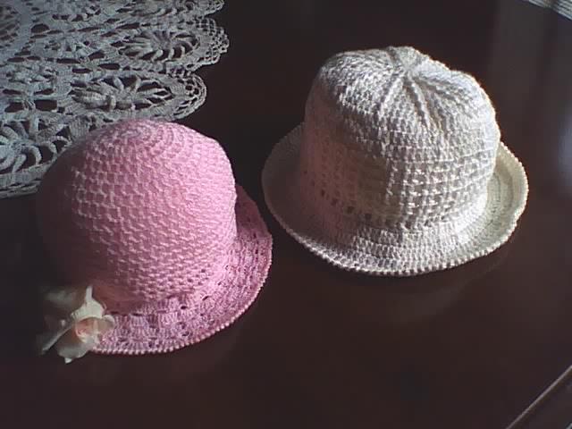ab33deae4f4cf Manualidades y algo de psicología  Sombreros tejidos a crochet para ...