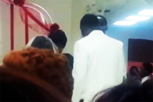 Amante llega a interrumpir la boda de un tipo; todo en video