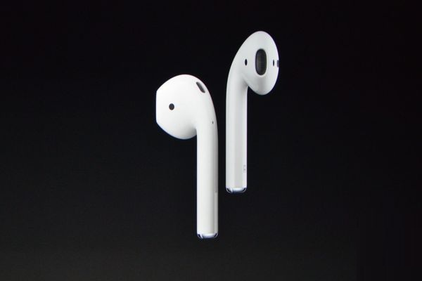 Apple iPhone 7 and iPhone 7 Plus Specs - Apple Wireless Earphones AirPods