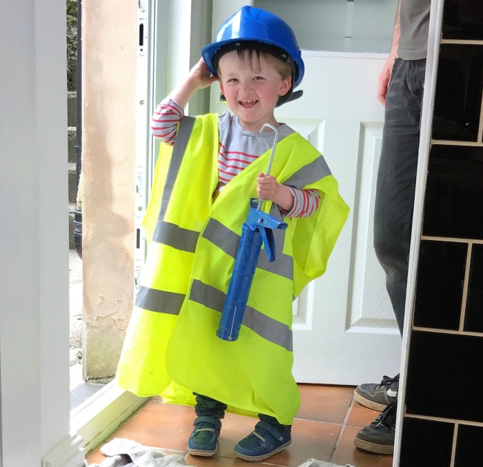 Squidge dressed as a builder