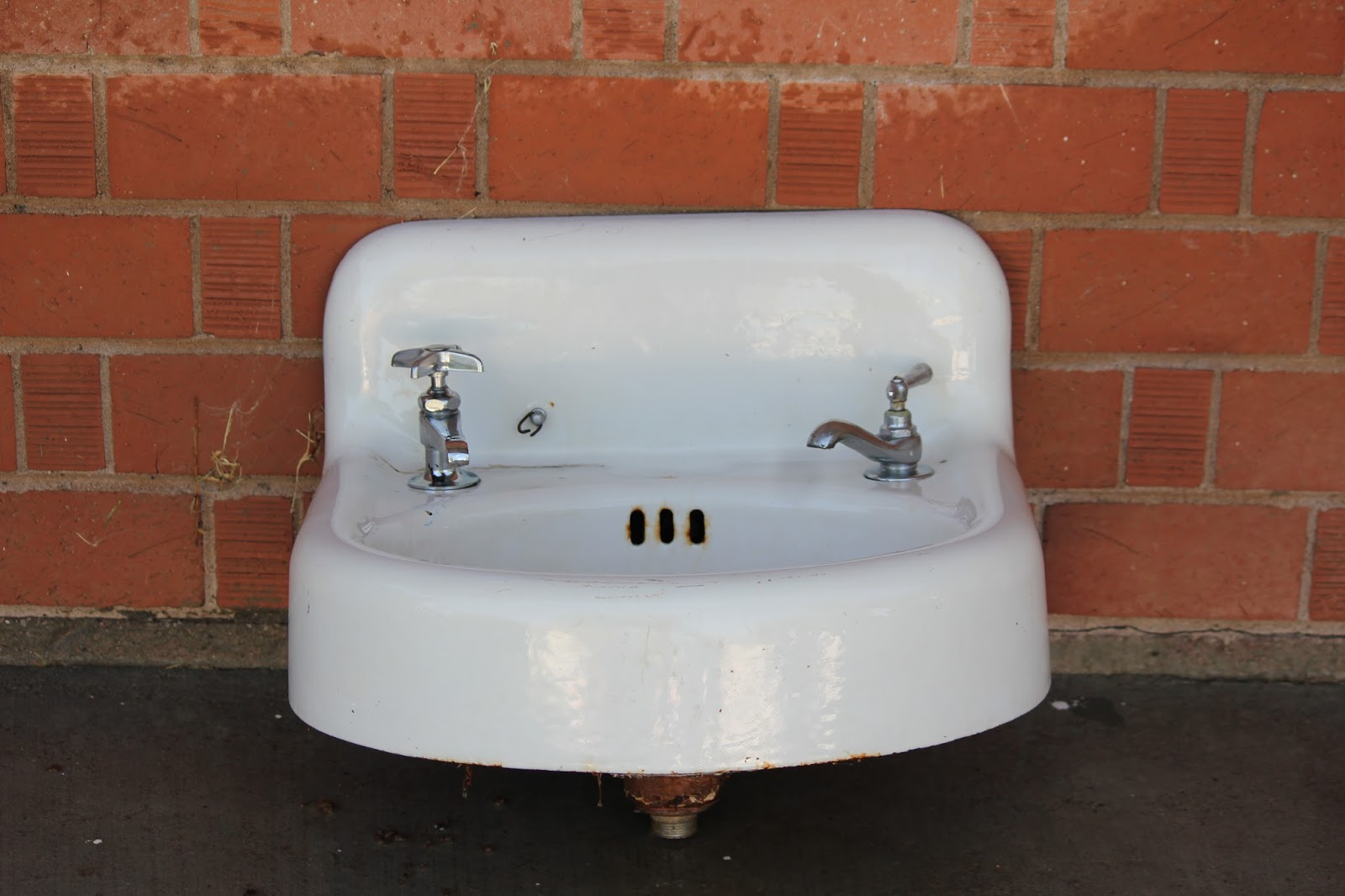 used kitchen sinks for sale tiny remodel clutterbuggz online yard cast iron sink bathroom