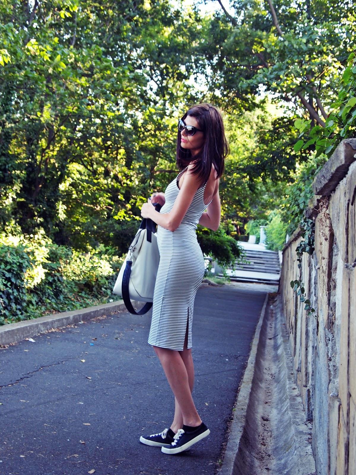 striped dress and sneakers bershka