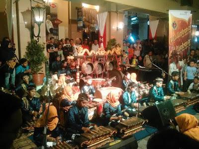 Menjadi Jogja Menjadi Indonesia