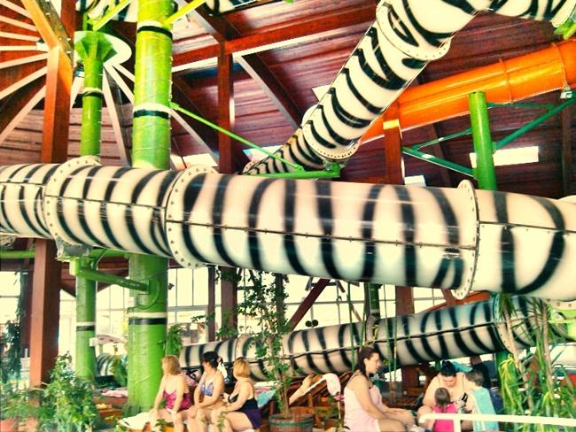 Wellness center Zdrelo unutrasnji bazeni sa toboganom za decu
