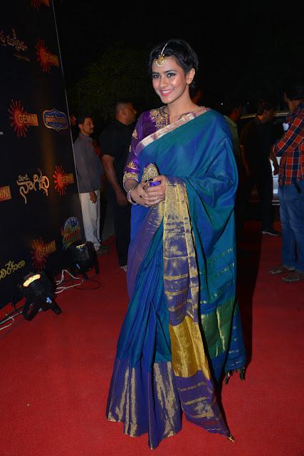 Heroine Hebah Patel Saree Stills at Gemini TV Awards 2016