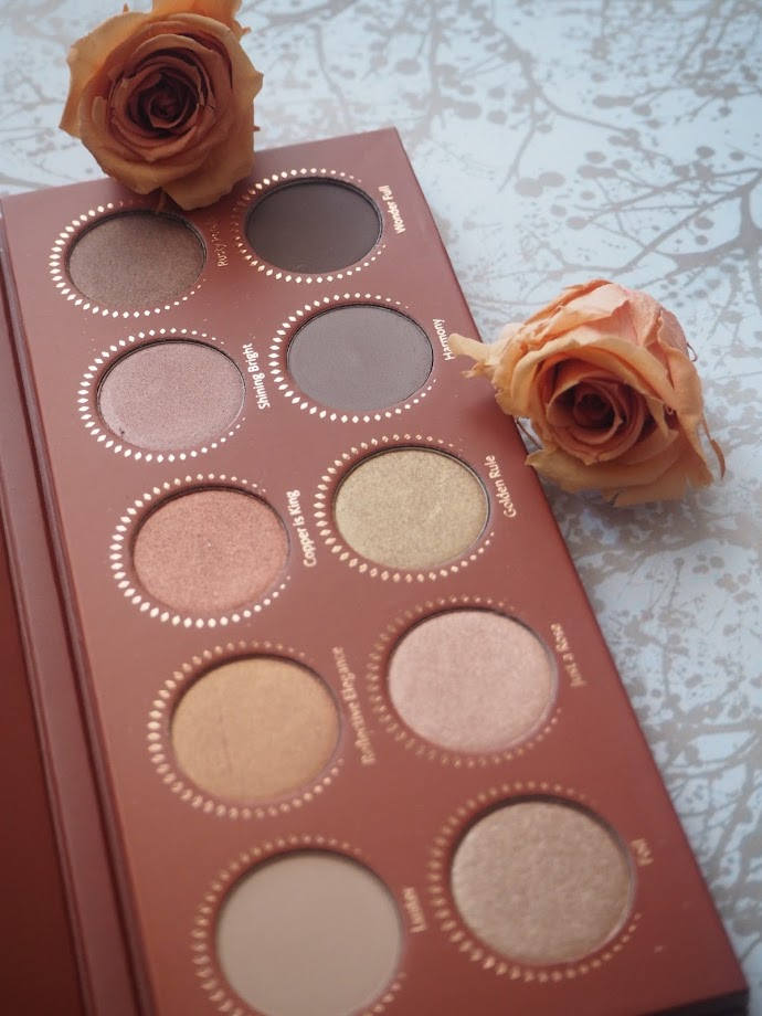 photo-paleta-sombras-zoeva-rose-golden-ojos-maquillaje