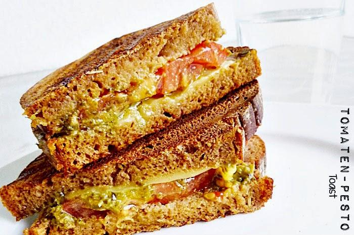 Tomaten-Pesto Toast
