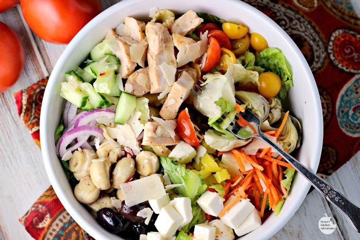 [ad] Italian Chicken Chopped Salad Bowls | by Renee's Kitchen Adventures - Quick and easy dinner solution recipe for a healthy meal with chicken, veggies and pasta #SimplySatisfyingSalads #EverydayEffortless