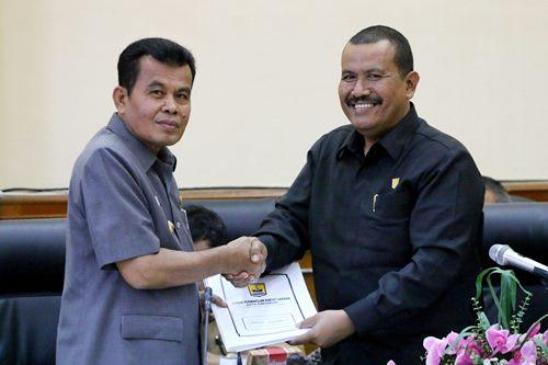 DPRD Kota Pariaman Sahkan APBD Perubahan 2017