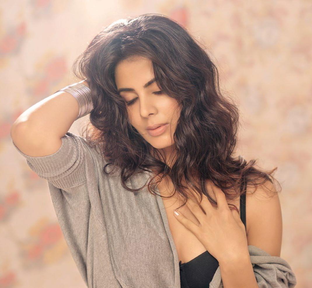 Kirti Kulhari the PINK girl sizzles on FHM India magazine November 2016 issue