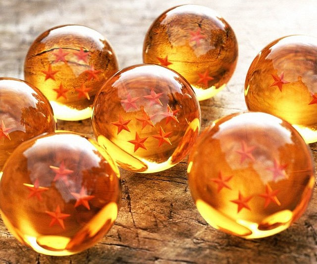 Start thinking of a good wish because with the Dragon Ball Z set in your possession, anything is possible. After decades of searching the globe, the seven dragon balls have finally been tracked and are ready to be used – immortality is finally yours!