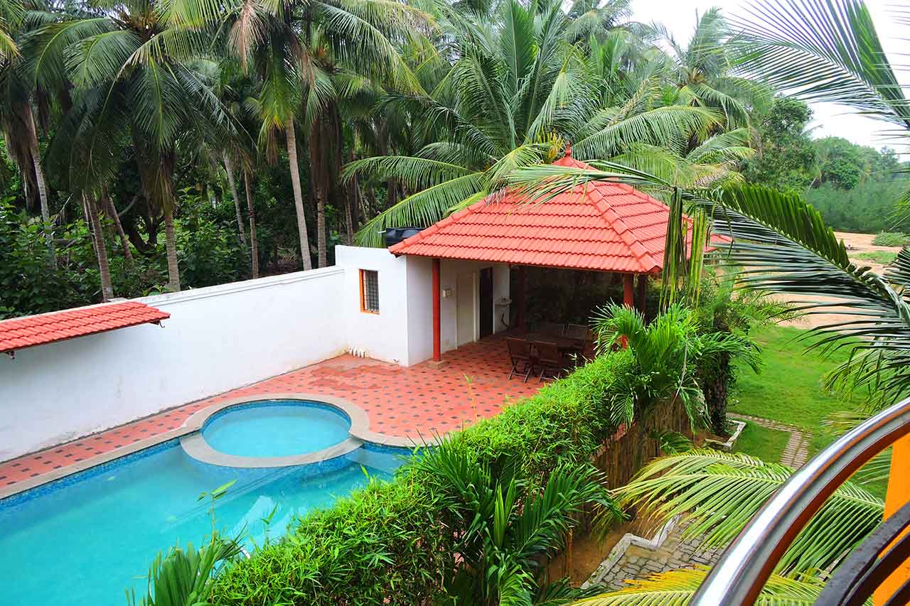 Farm House for Rent in ECR