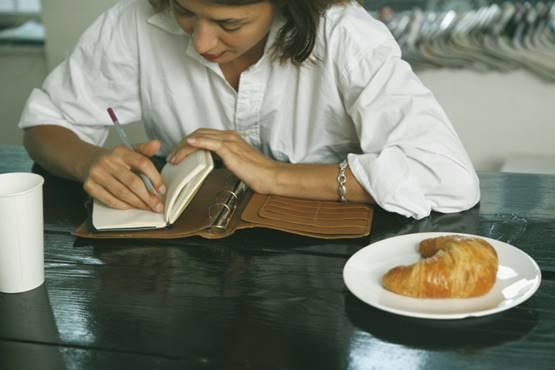 Uma ótima dica para auxiliar na perda de peso: anotar tudo o que você comer ou beber em um diário
