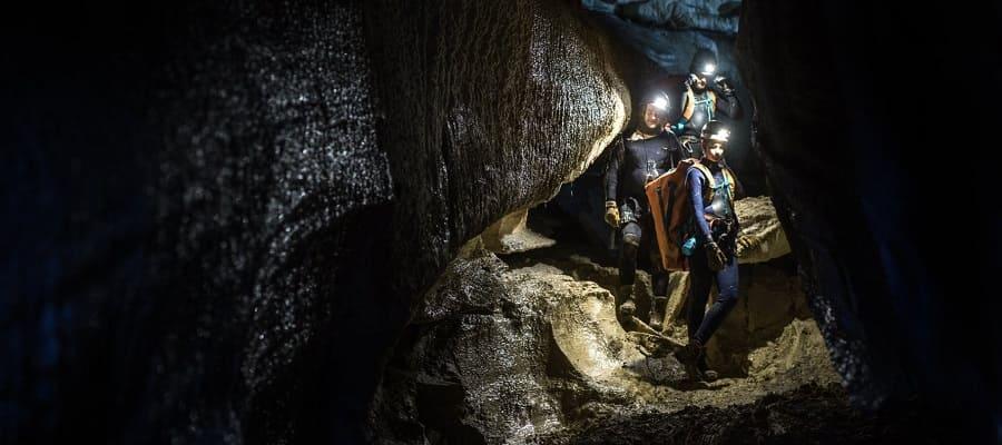 Filme A Caverna - Perigo Subterrâneo  Torrent