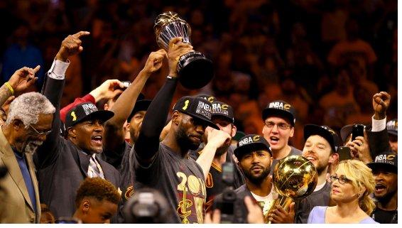 NBA Finals 2016 - Cleveland completa l'impresa, LeBron stende Golden State e regala il titolo ai Cavs