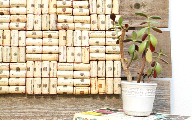 How to recycle used wine corks into a rustic bulletin - What to do with wine corks ...