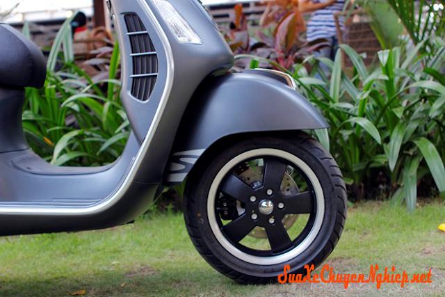 Sơn xe Vespa GTS Super màu xám lông chuột