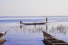 Pecherie au bord du Lac