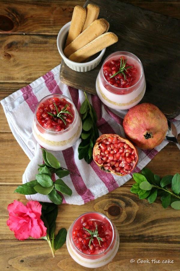 espuma-de-queso-y-granada, pomegranate-cheesecake-in-a-jar