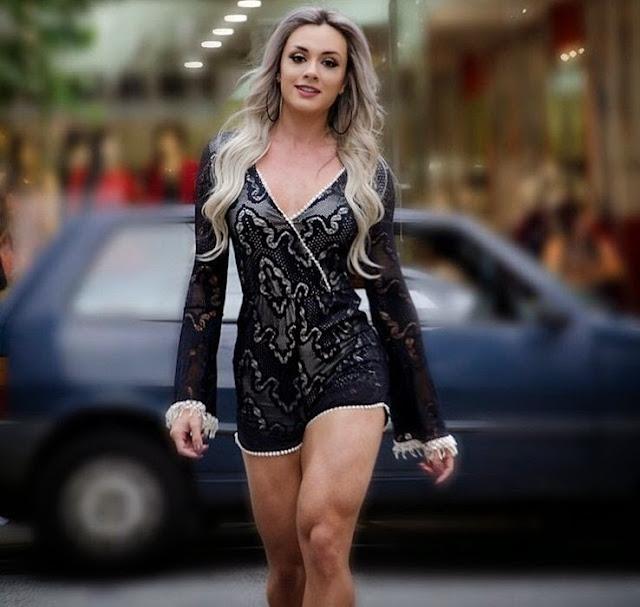 Juju Salimeni - Female Fitness Models