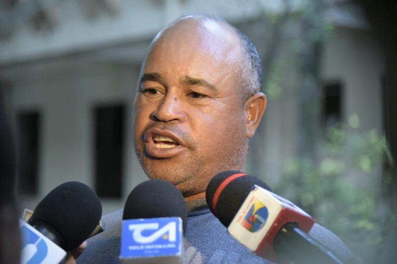 Padre de Emely Peguero explota contra la justicia