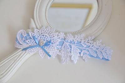niebieska podwiązka ślubna oryginalna handmade Anelis Atelier