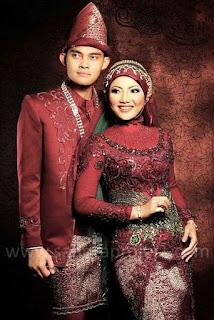 Foto Baju Kebaya Pengantin Warna Merah Marun Trend Terbaru Model Modern
