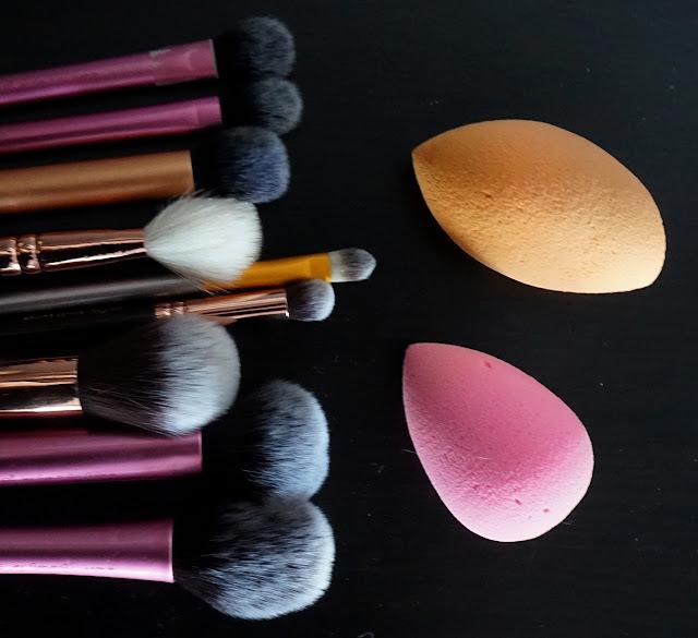 Enlever les tâches de son éponge maquillage sans se ruiner