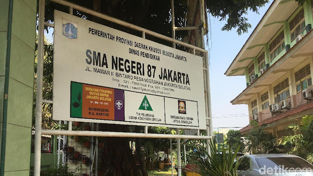 Pembelaan Guru SMA 87 Nelty atas Tudingan Doktrin Anti-Jokowi