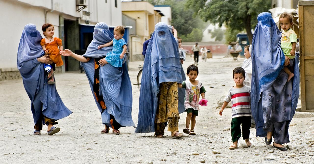 Kabul-Street-BurkaMoms
