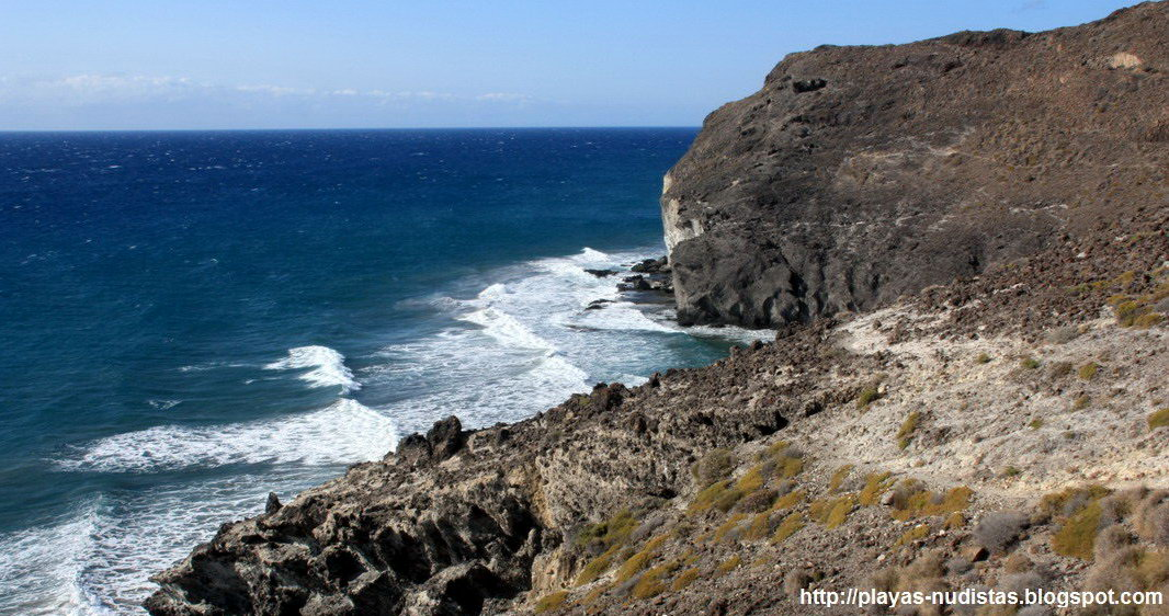 Camino por la costa del Cabo de Gata