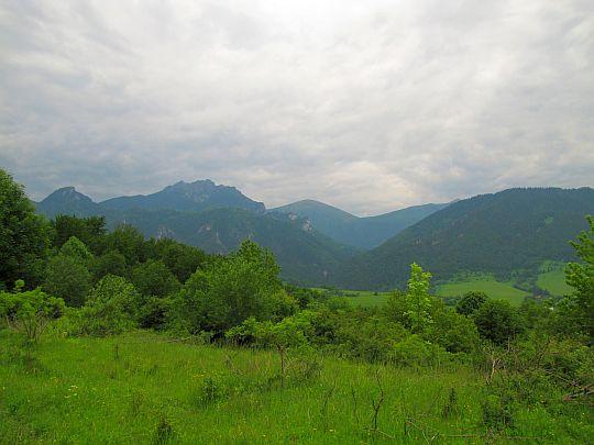 Poľany (735 m n.p.m.) - widok na szczyty Małej Fatry Krywańskiej.