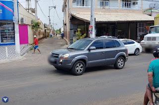 http://vnoticia.com.br/noticia/2314-motociclistas-assaltam-comerciante-no-centro-de-sao-francisco-de-itabapoana