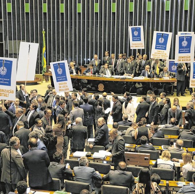 POR 296 VOTOS A 177:  Reforma Trabalhista é aprovada na Câmara